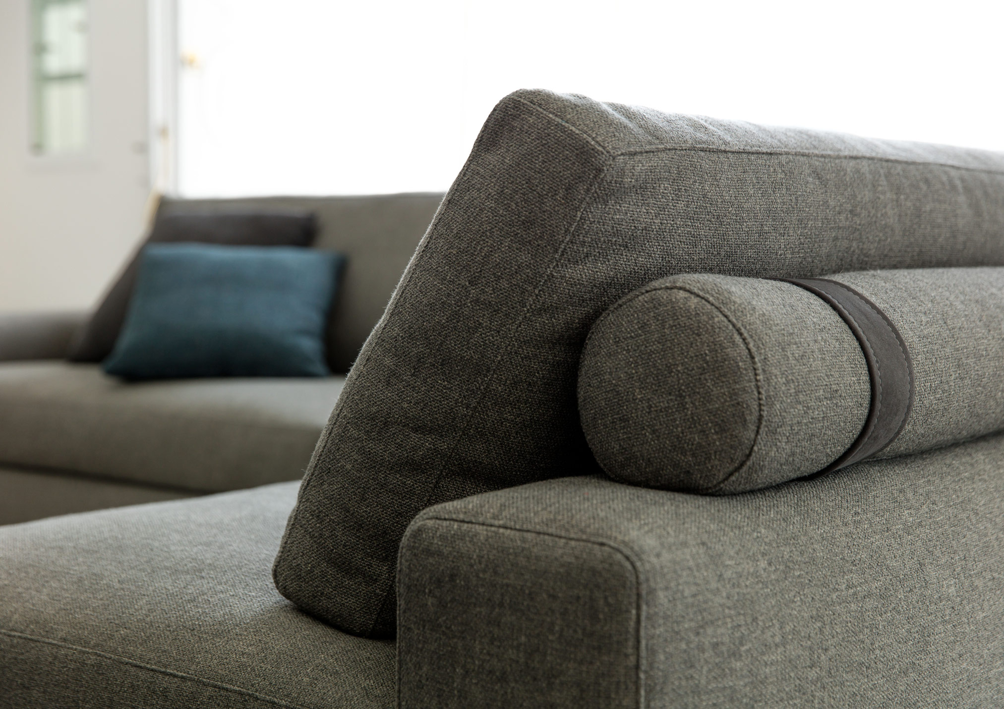 Joey sectional sofa