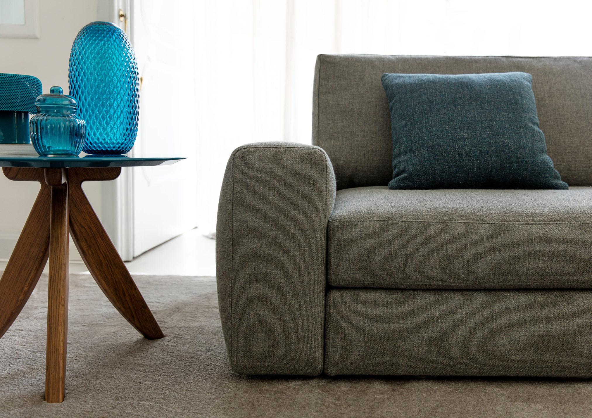 Joey sofa with soft armrest