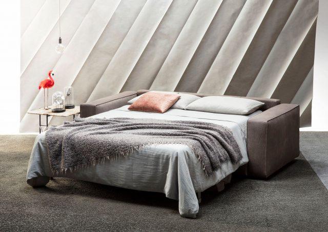 apertura divano letto in pelle nabuk nemo berto salotti