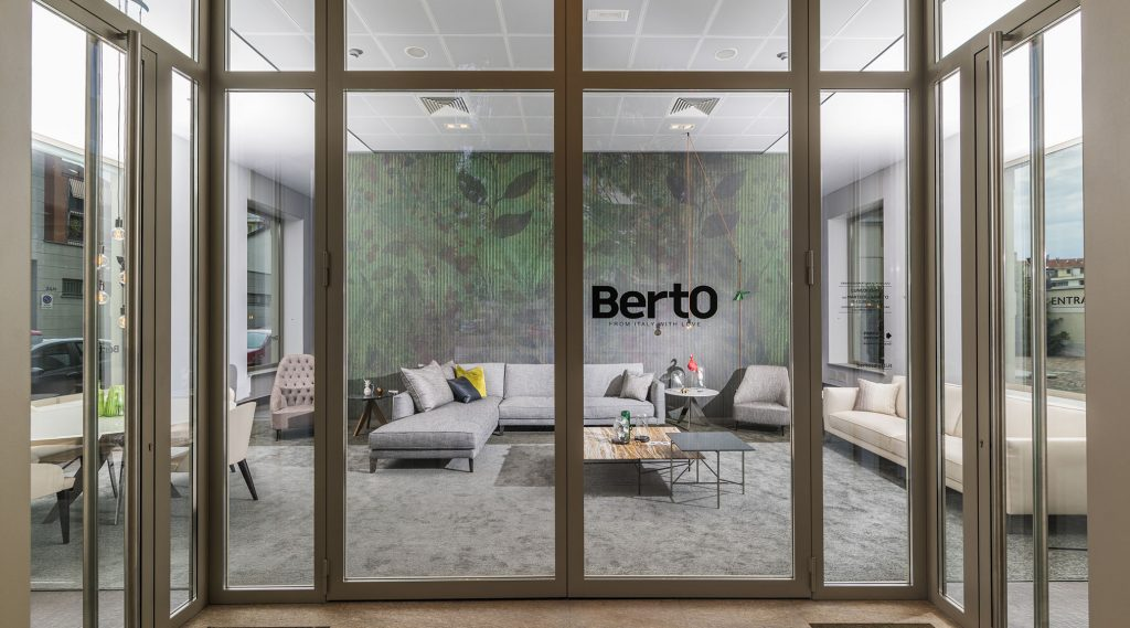 Vetrina Showroom Berto Salotti Torino