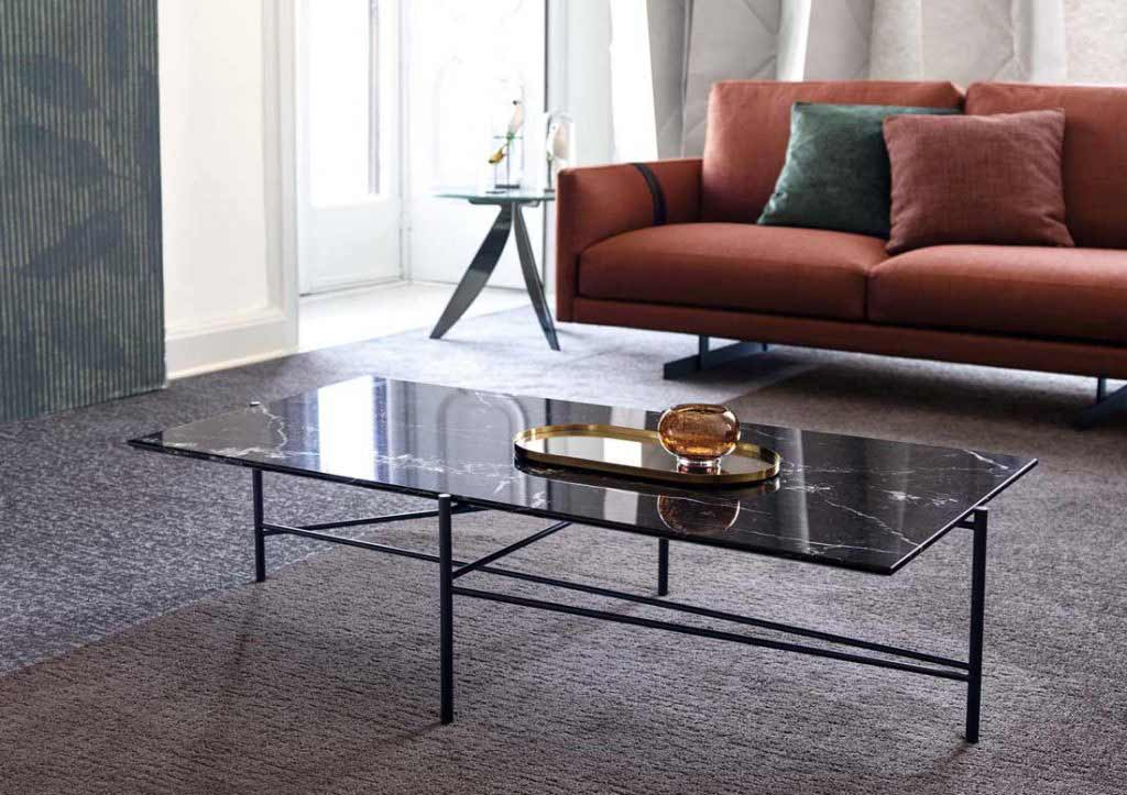 предметы интерьера берто:столик riff поверхностью из мрамора Маркиния