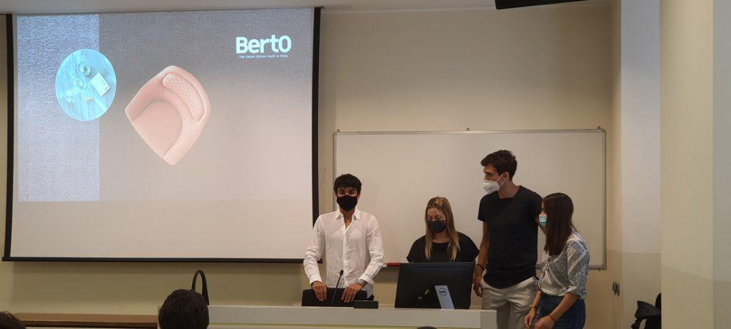 Студенты Università Cattolica Милана для Hackathon BertO